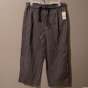 Relaxed fit belted pants